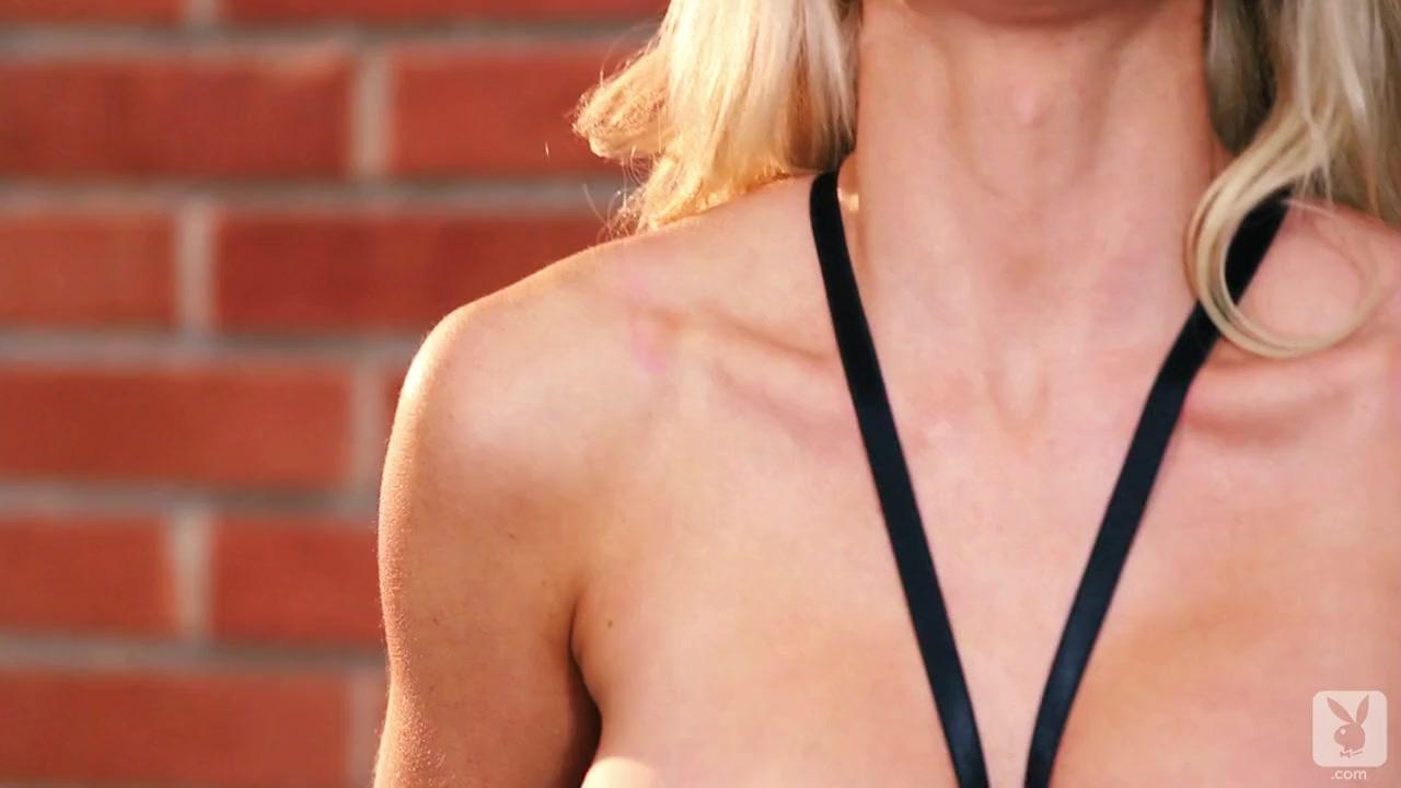 naked girl and men fucking Sex photo