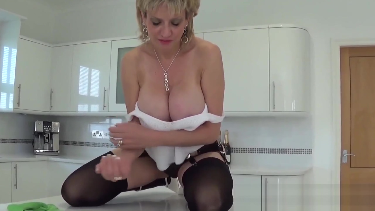 British MILF Sonia wants you to cum all over her