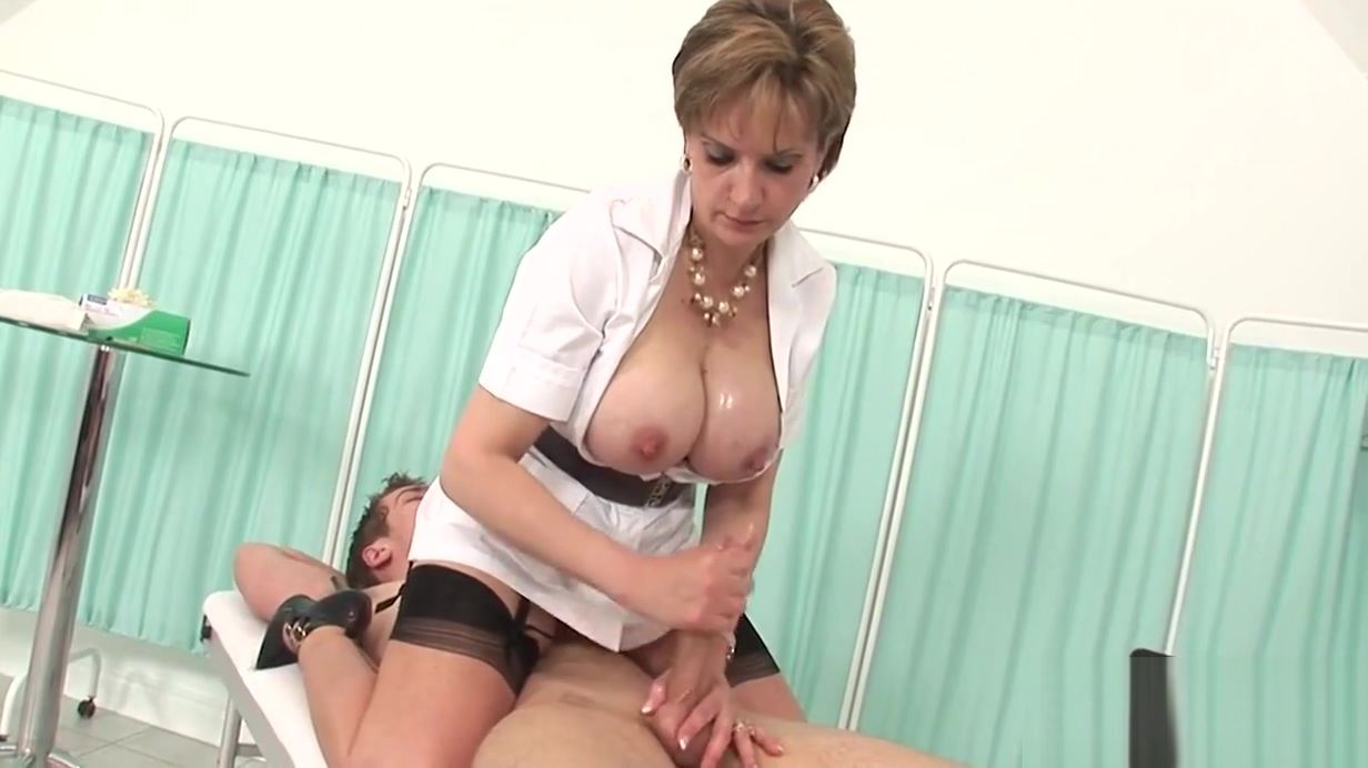 Unfaithful british milf lady sonia reveals her massive tits