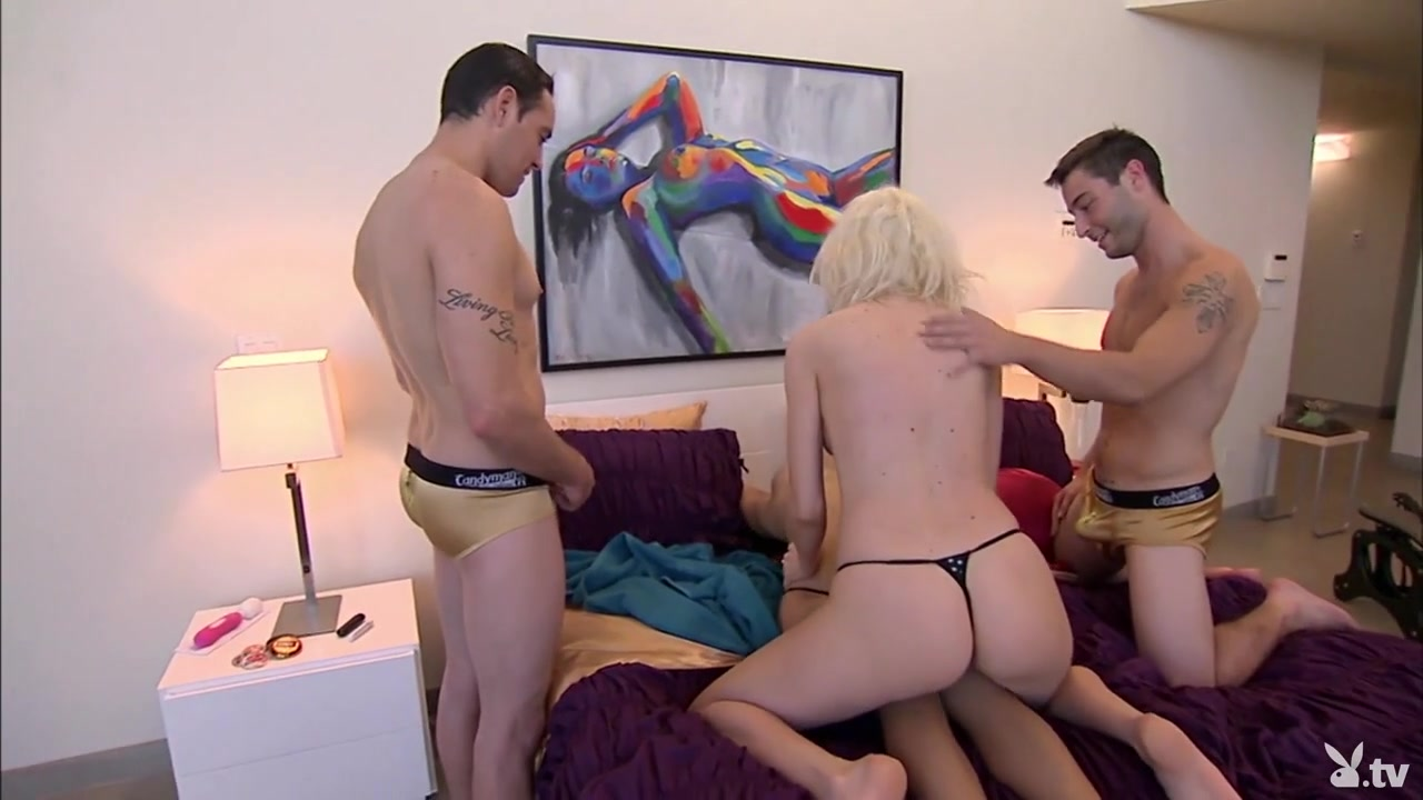 Naked Gallery What sexually transmitted disease is caused by a virus