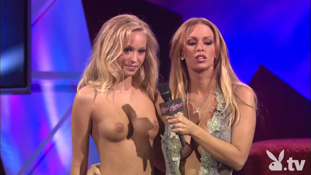 Nude Photo Galleries Mature women flashing tumblr