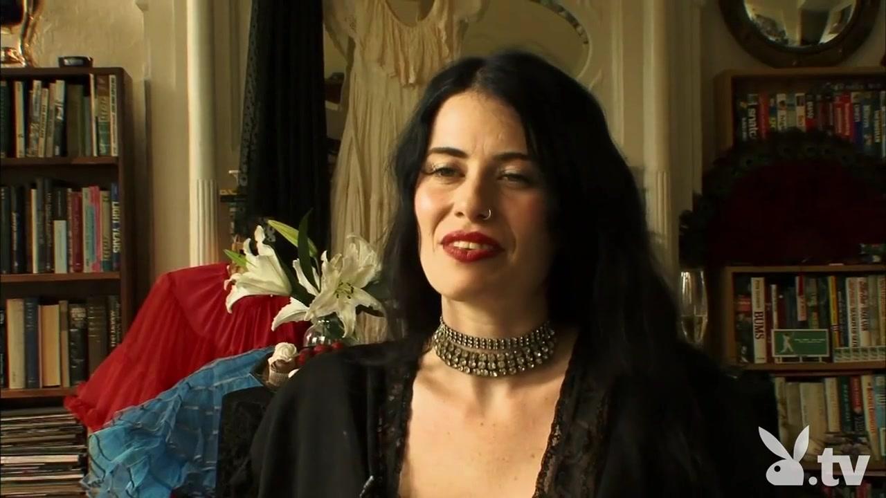 Gloria Shynez Sexy Video