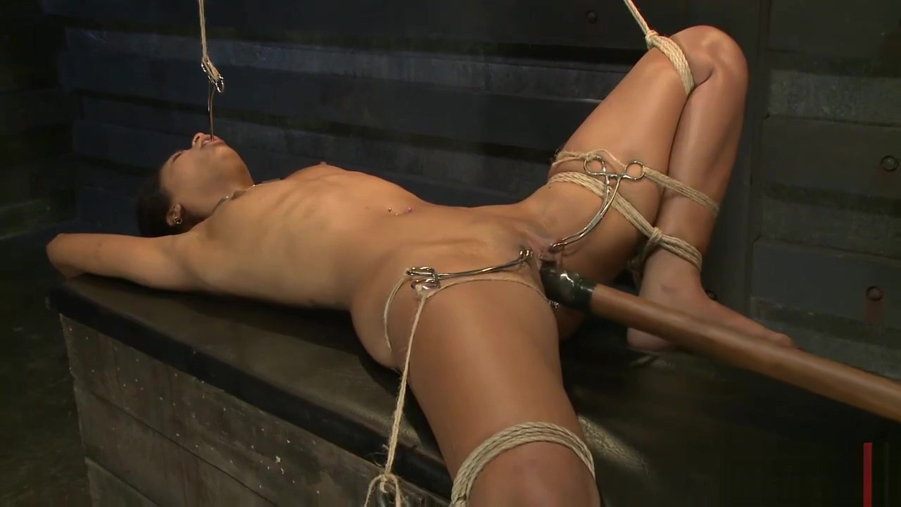 Skin Diamond loves to get dominated
