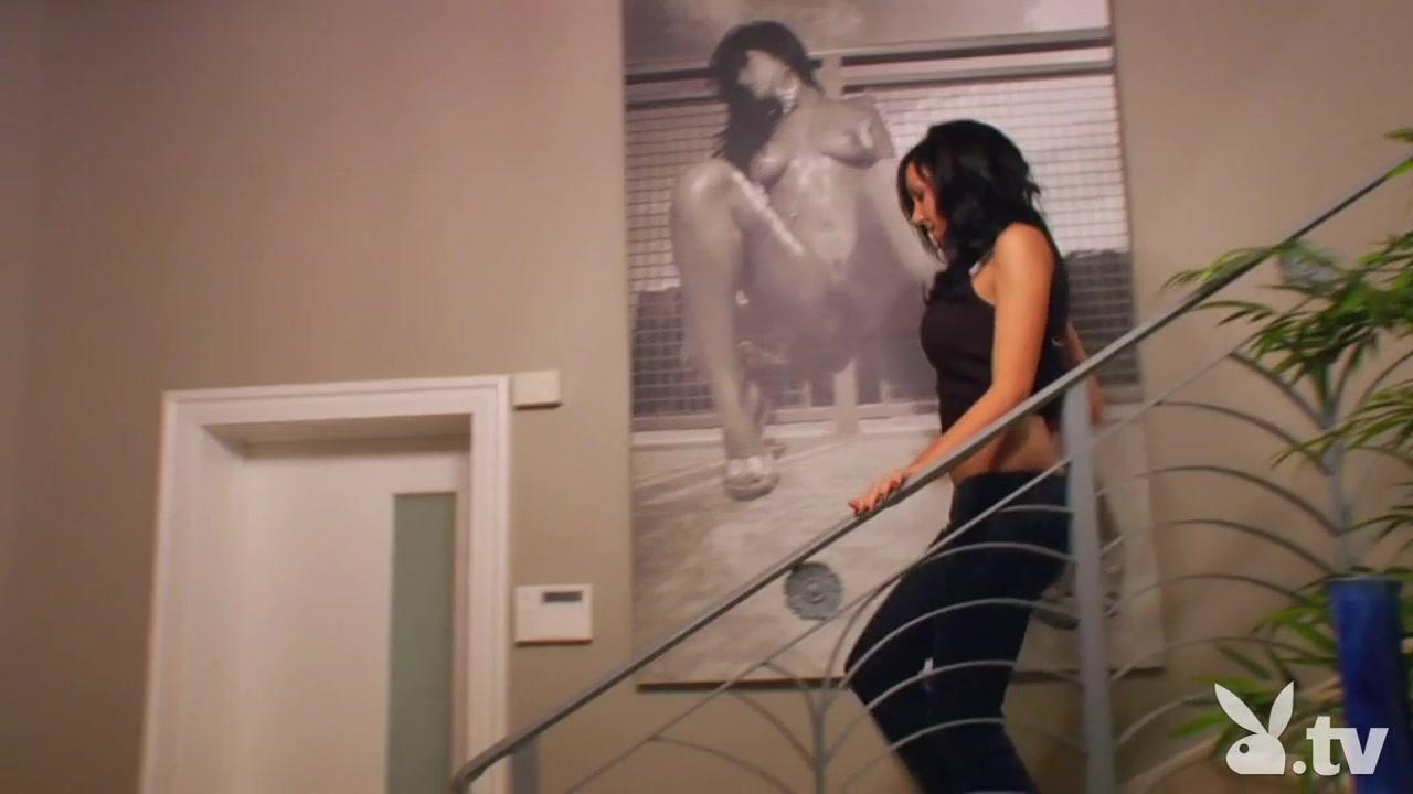 Pics and galleries Model and athlete hookup reality vs imagination lyrics