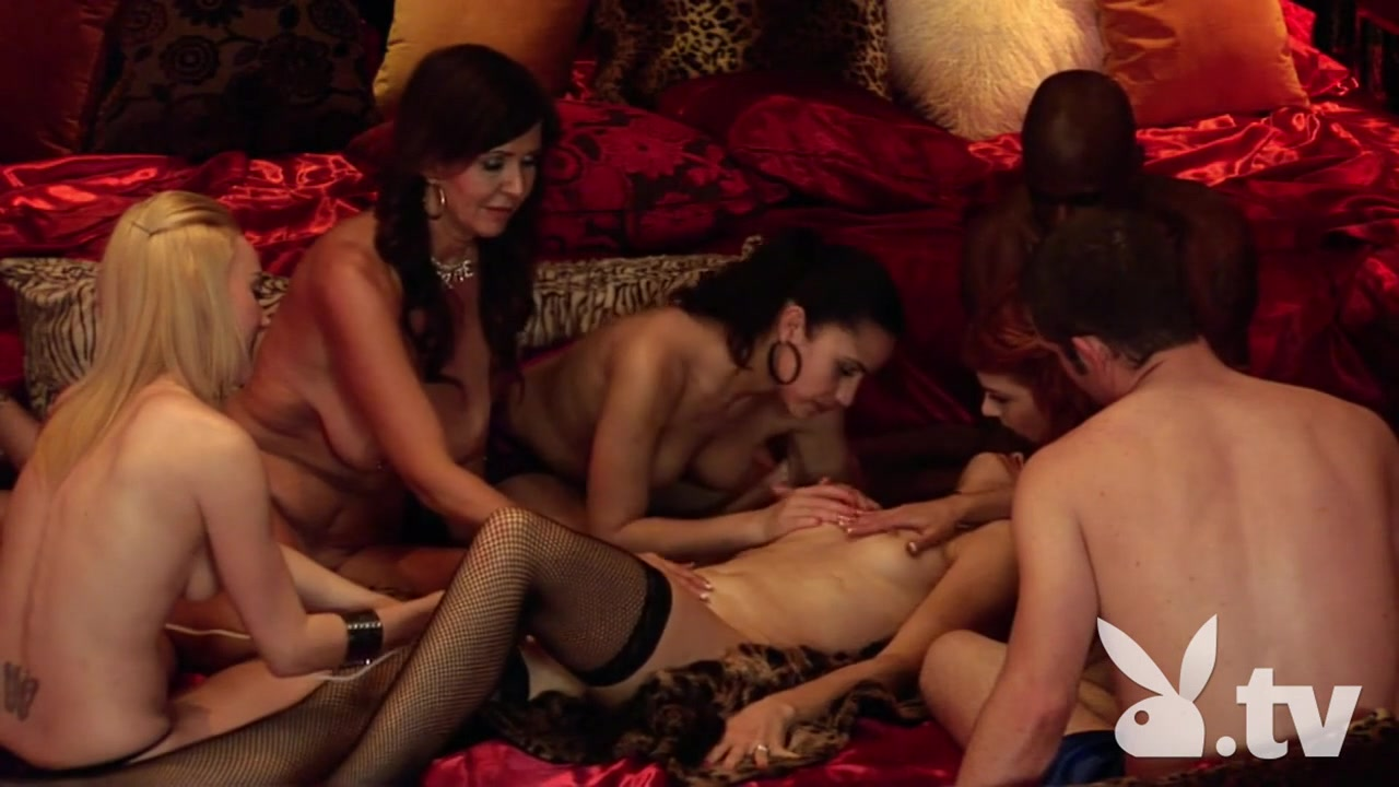 Lesbian sex scene from movie Hot Nude gallery