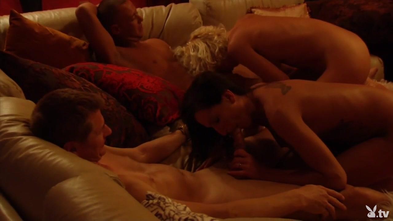 Hot Nude Bbw unrobes