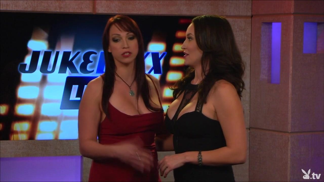 Pornex fucks lesbiab Babes