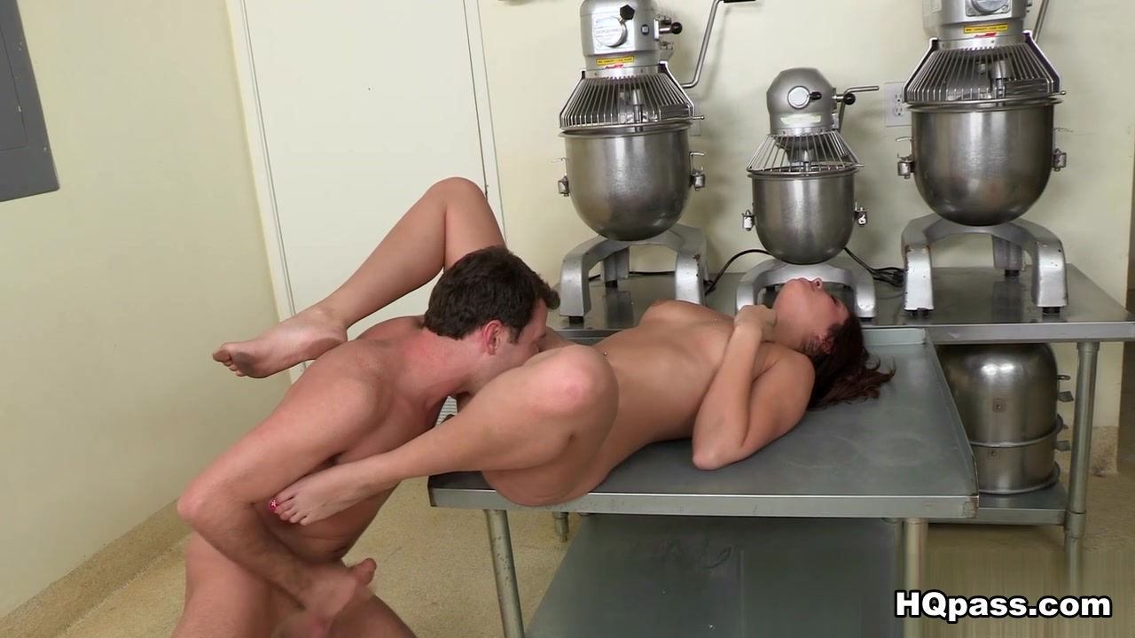 Milf makes herself cum again Adult Videos
