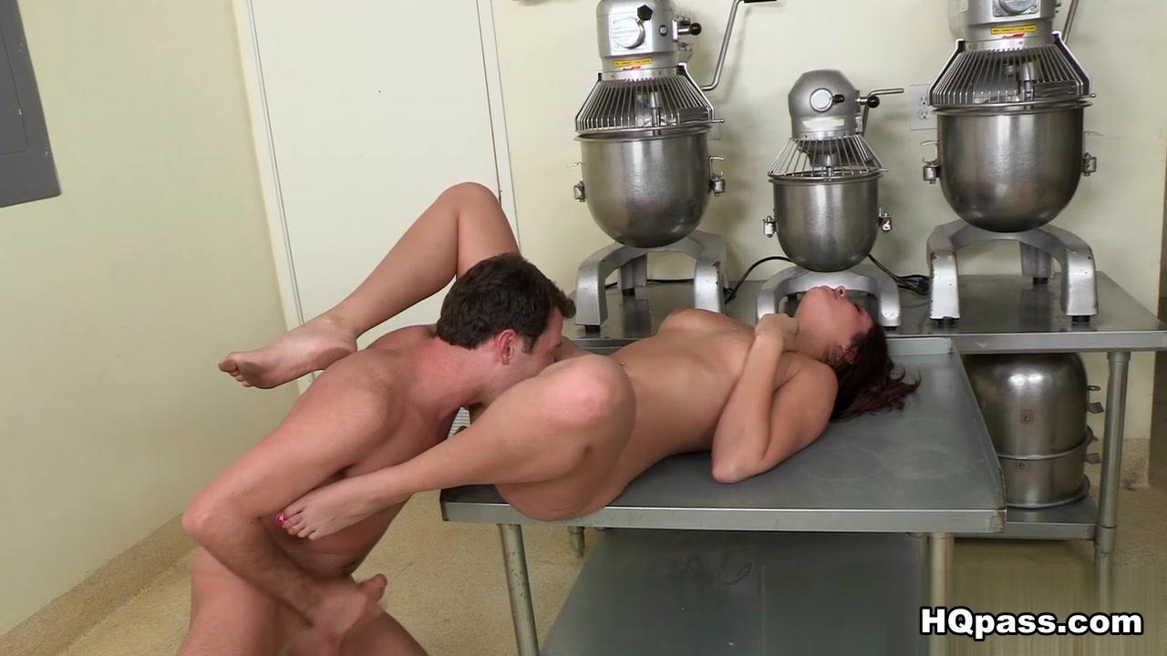 Nude 18+ British female porn stars