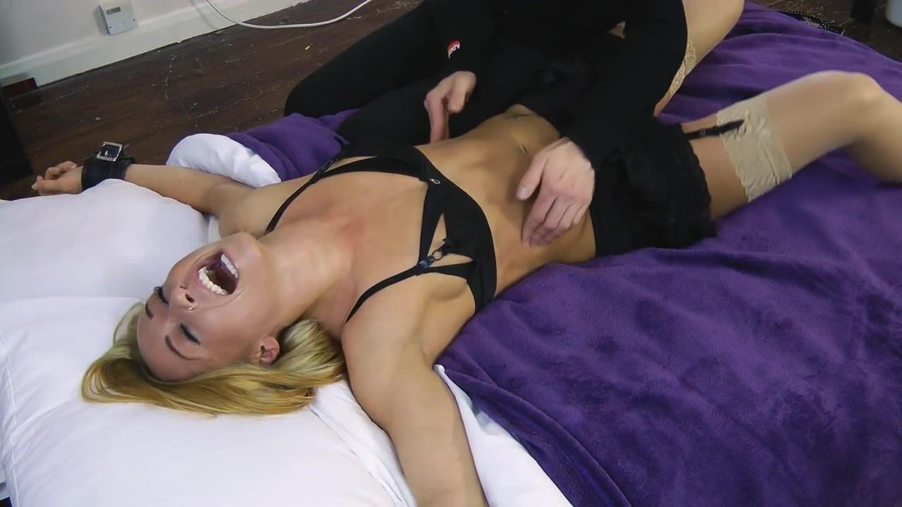 Tickling Kiki Bedspread Barbara corcoran nude pics