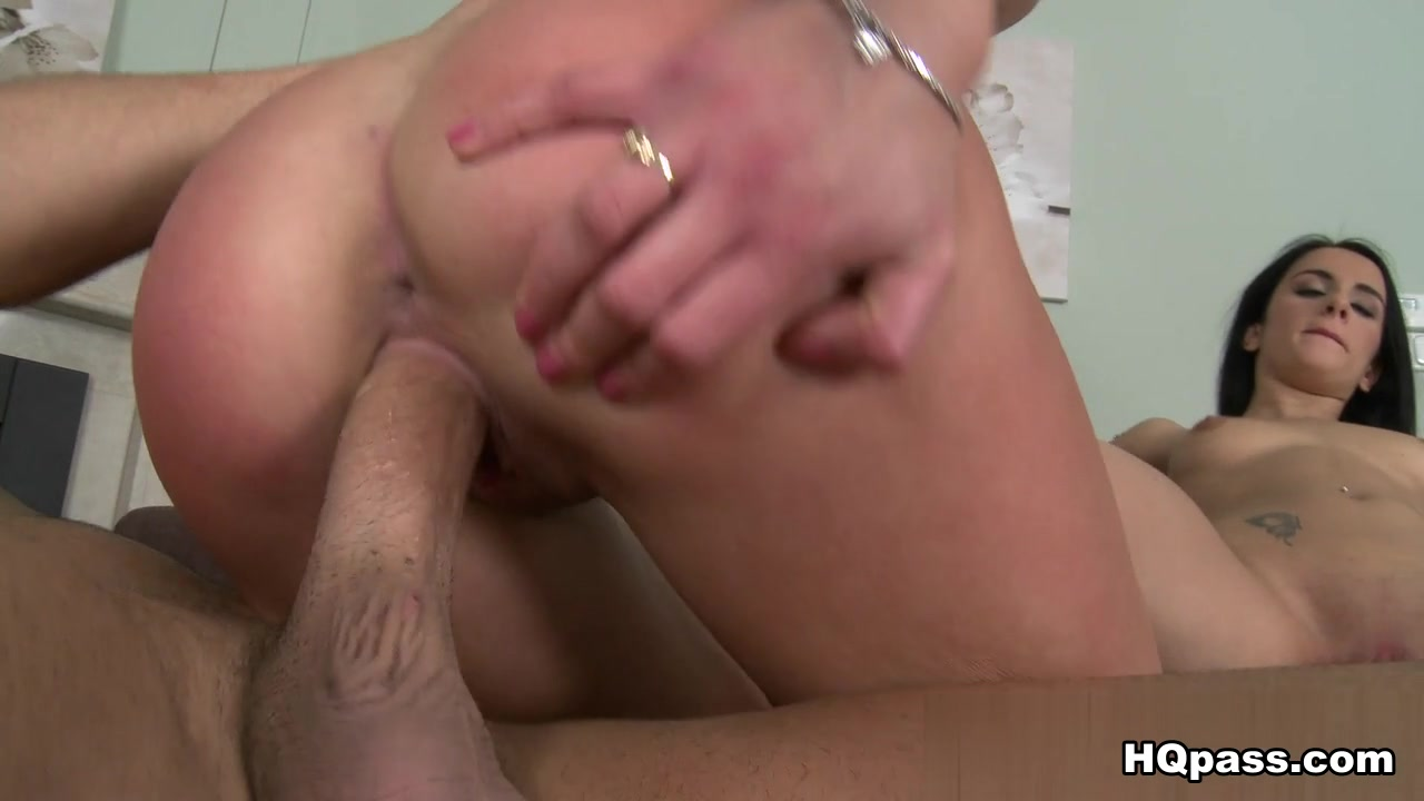 Sexy xxx video Cumming in a milf