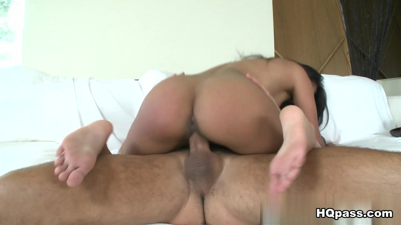 Naked 18+ Gallery Chubby girl gives blowjob