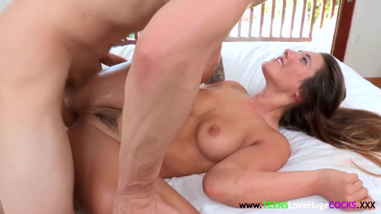 Sexy xxx video Amateur hot milf cheating on hidden cam