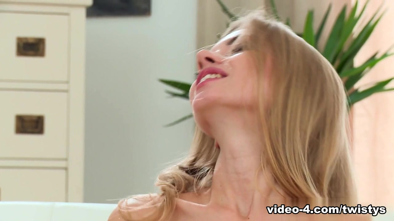 Naked xXx Foot sucking pictures