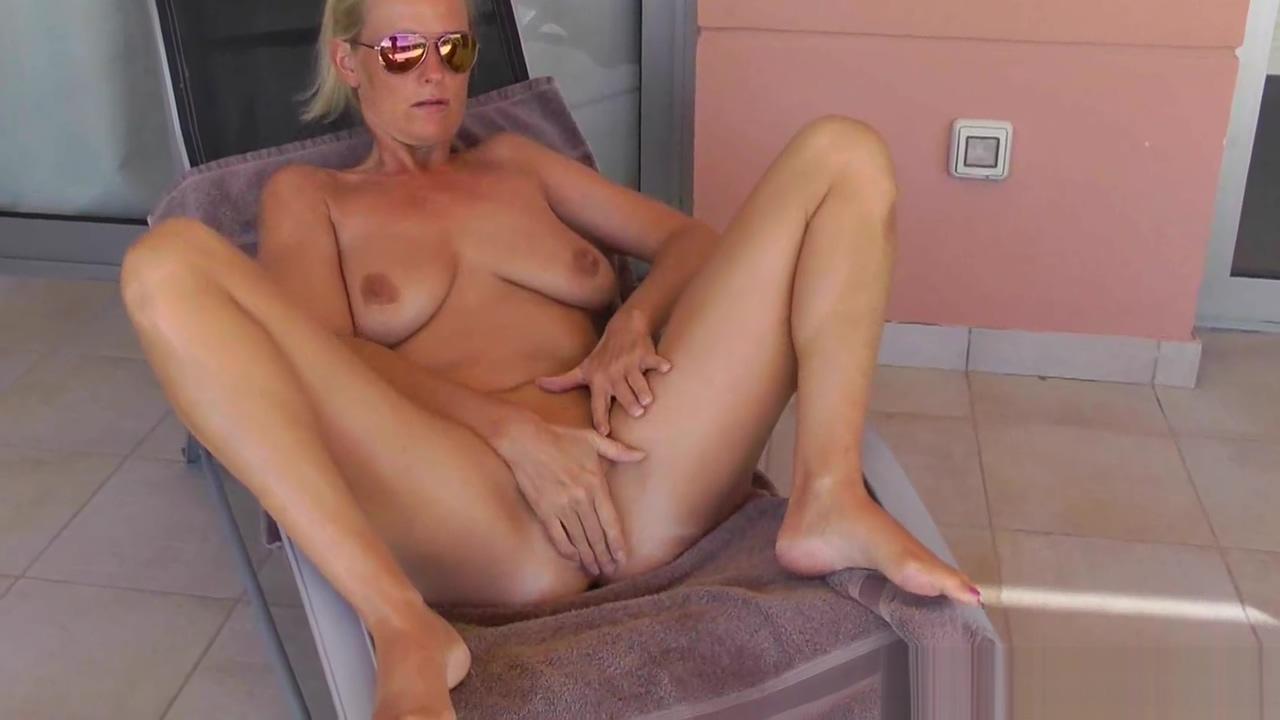Fuck Mom hard during the Holidays shirtless gay porn stars