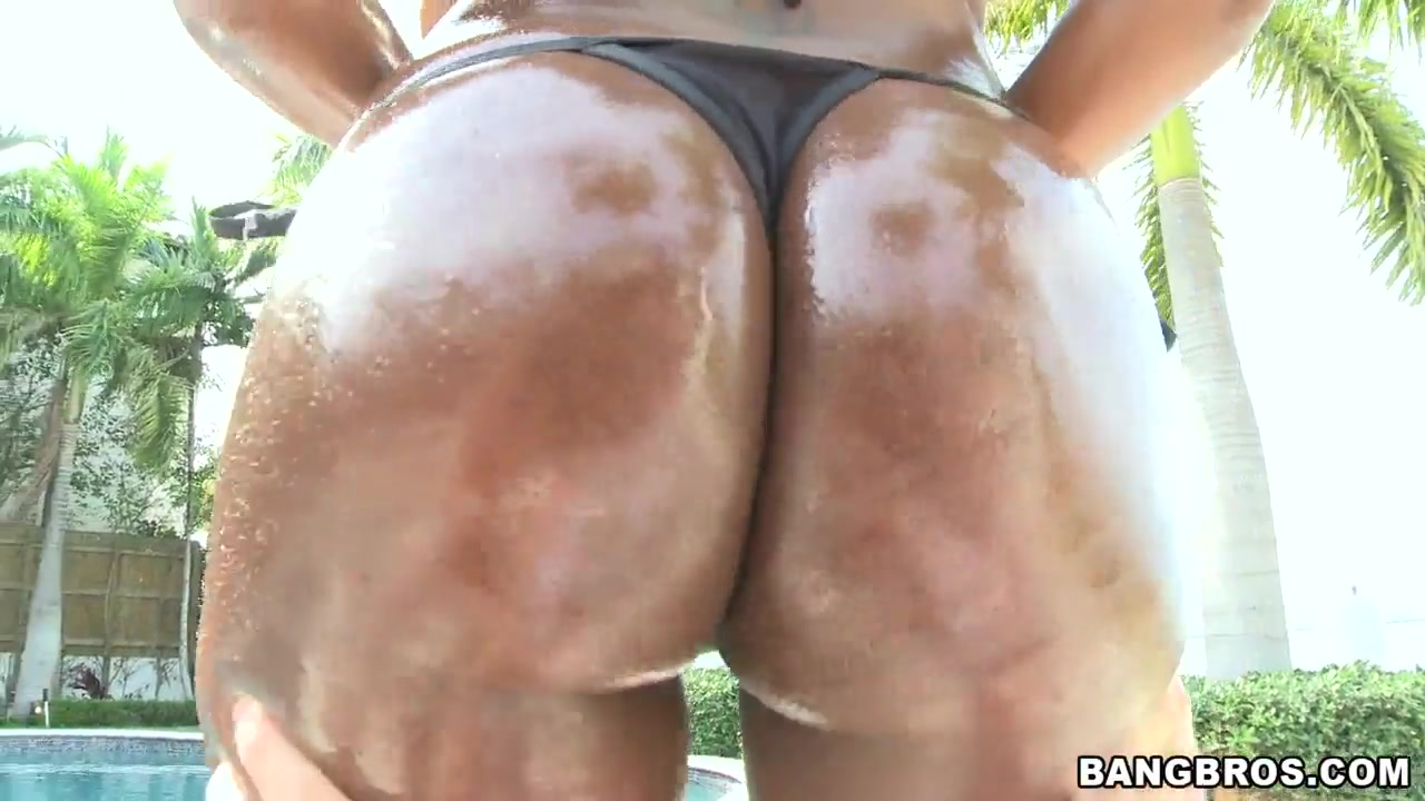 Mature after the shower Adult Videos