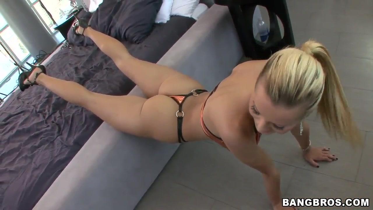 Canadian girl strip All porn pics
