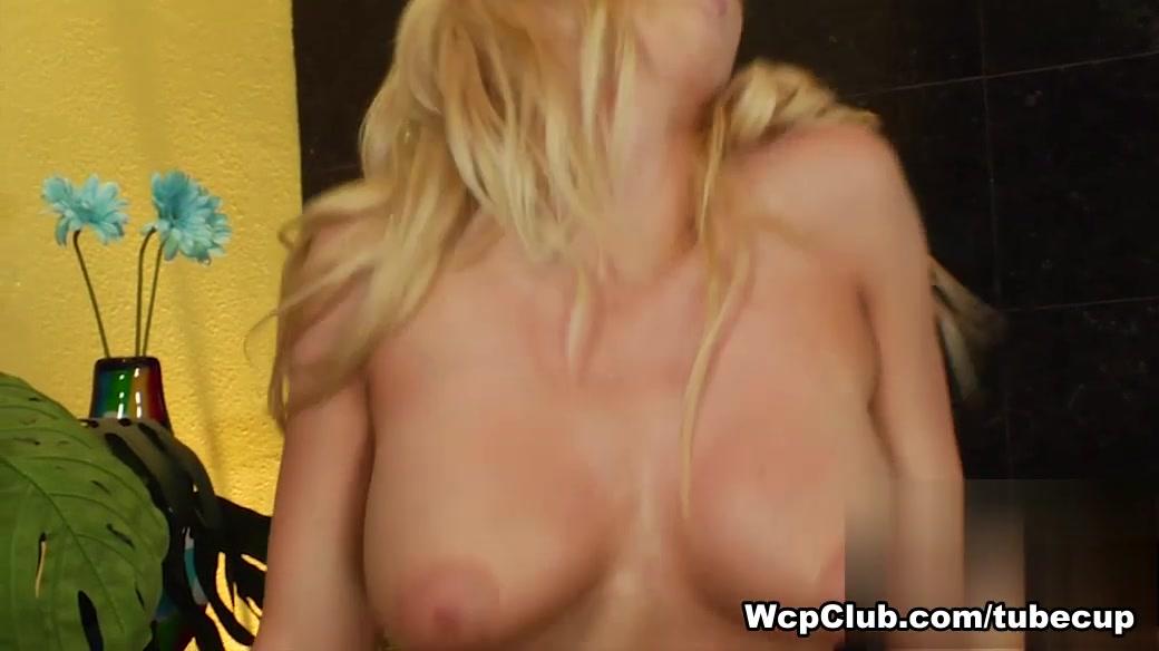 Porn tube Peeing skirts in public tube