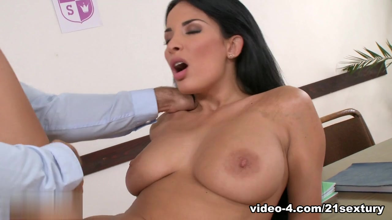 Naked Galleries Suck cocks and cum