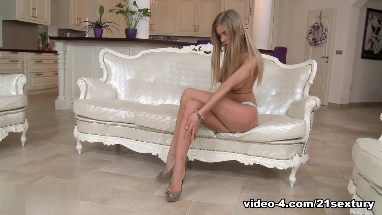 New xXx Video Sexy hollywood sex scene