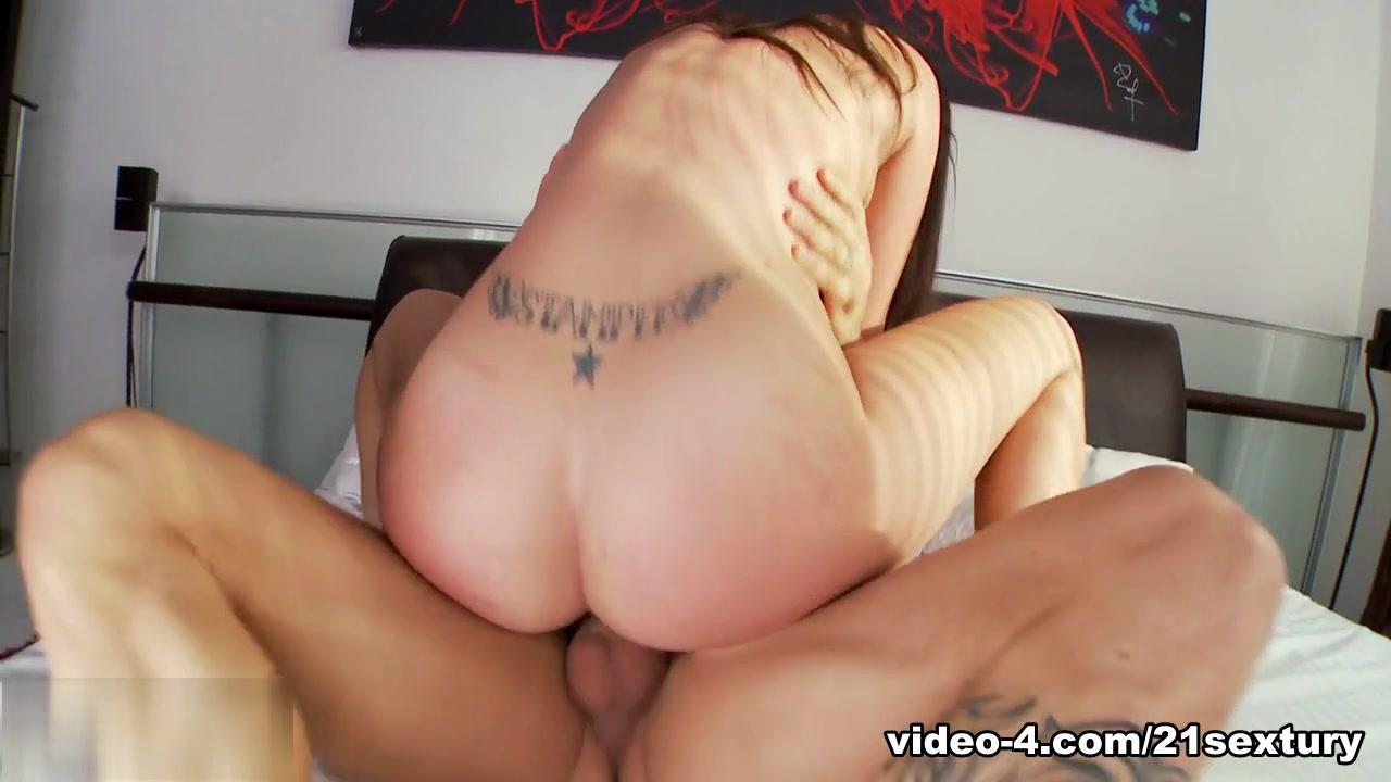 Hot Nude Vs very sexy push up