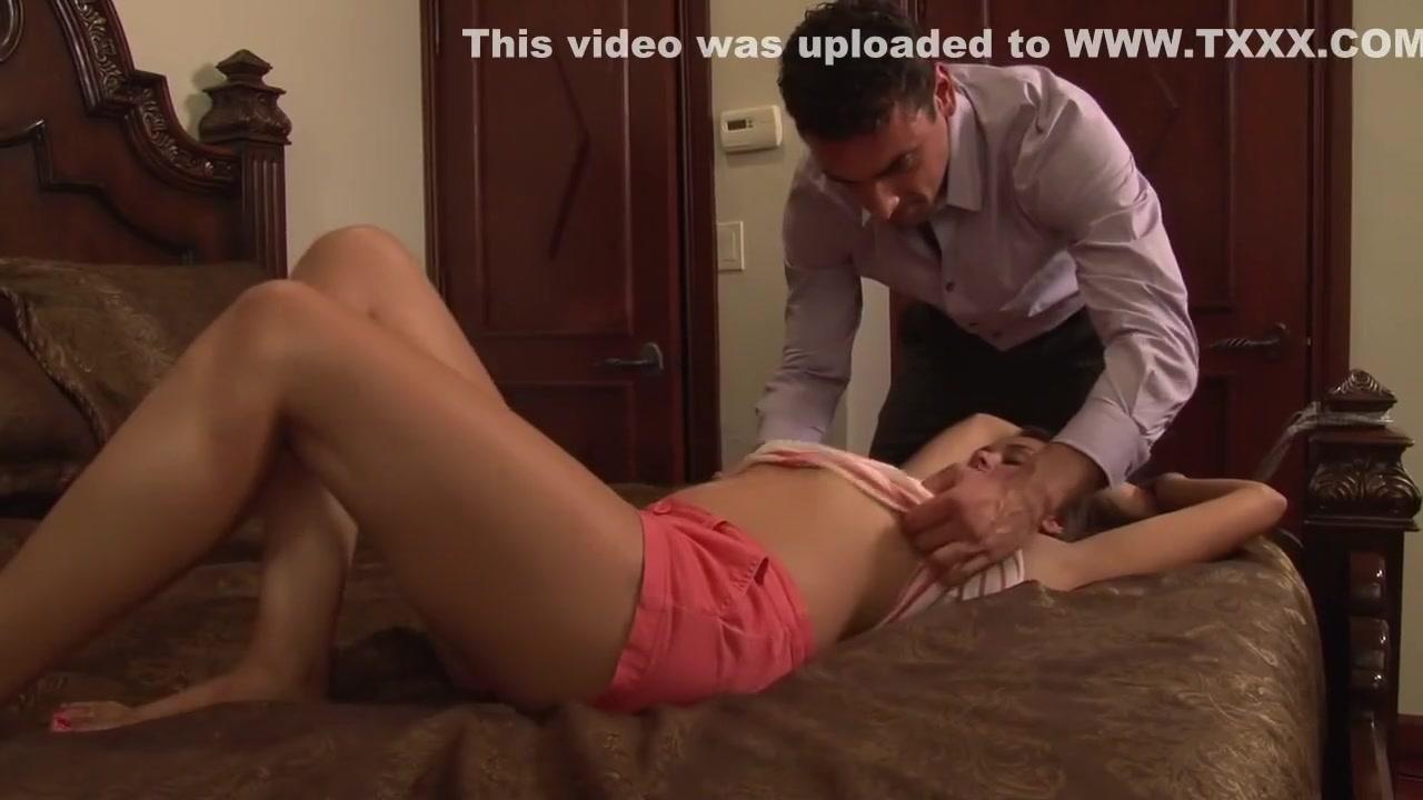 Big butt in shorts Porn tube