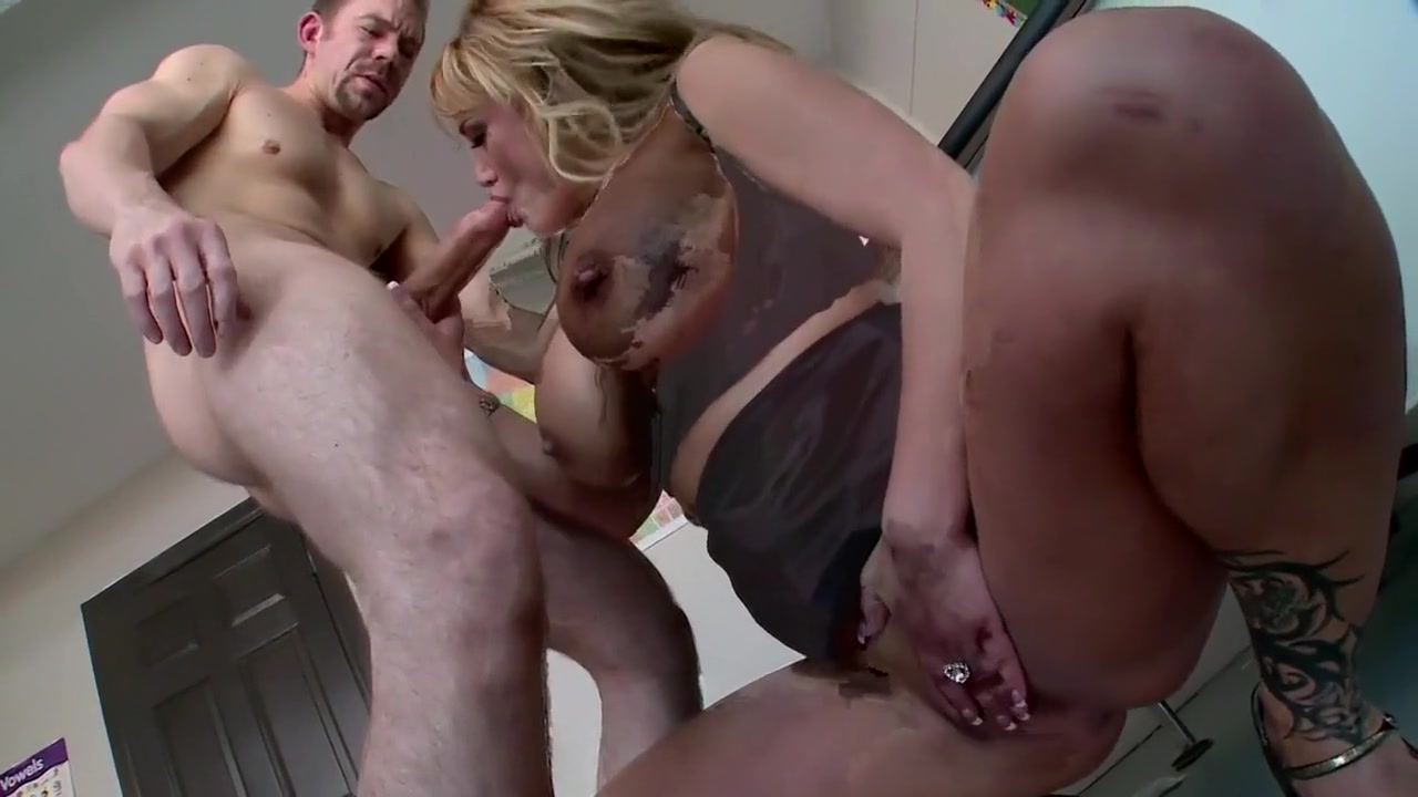Amateur milf on real homemade Porn Pics & Movies
