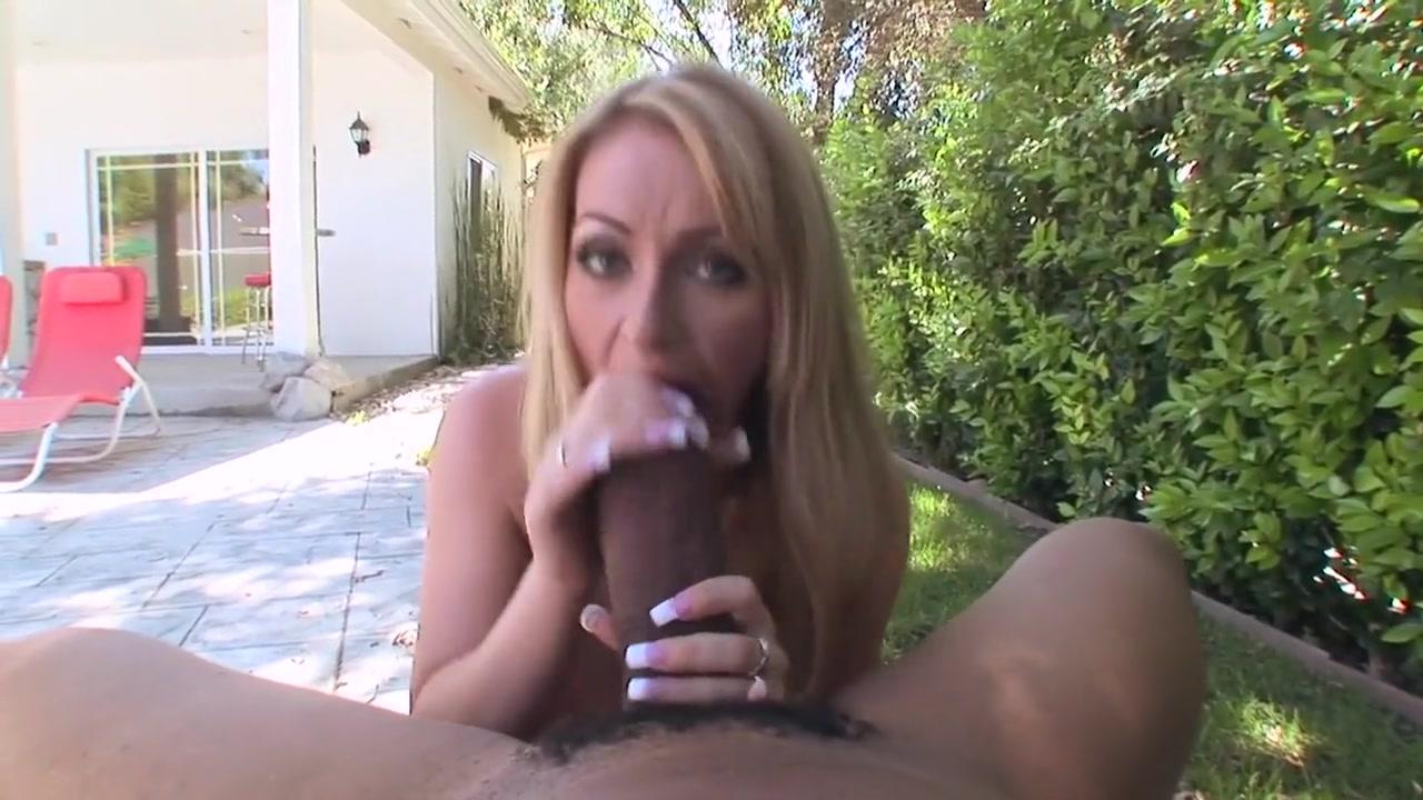 New porn Spreading mature ass