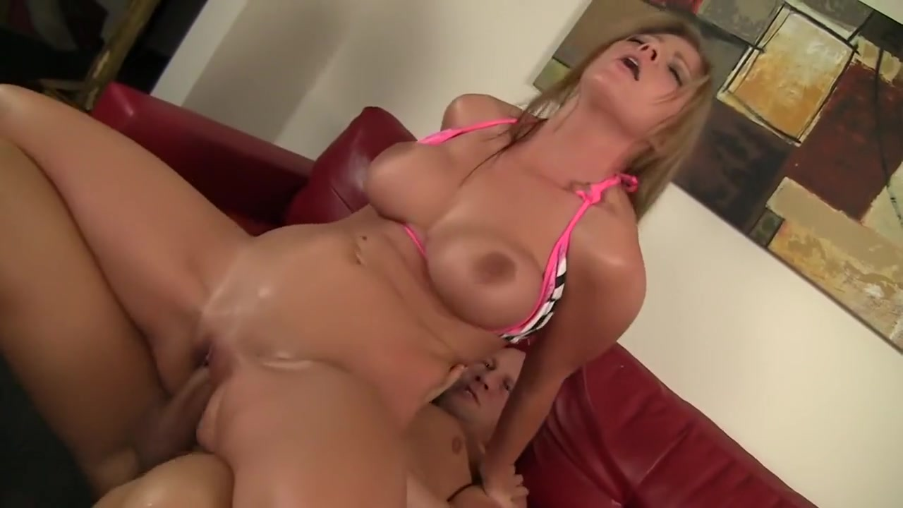Sexy xxx video Mexican wife fucking big dildo
