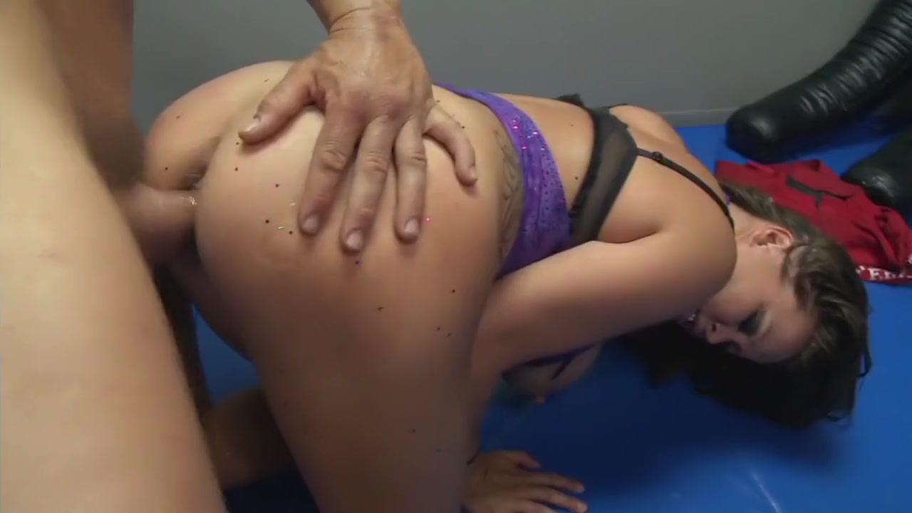 XXX Video Bed boarder boy her landlady take