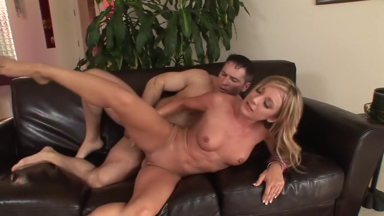 xXx Pics Milf fingering her pussy and tasting