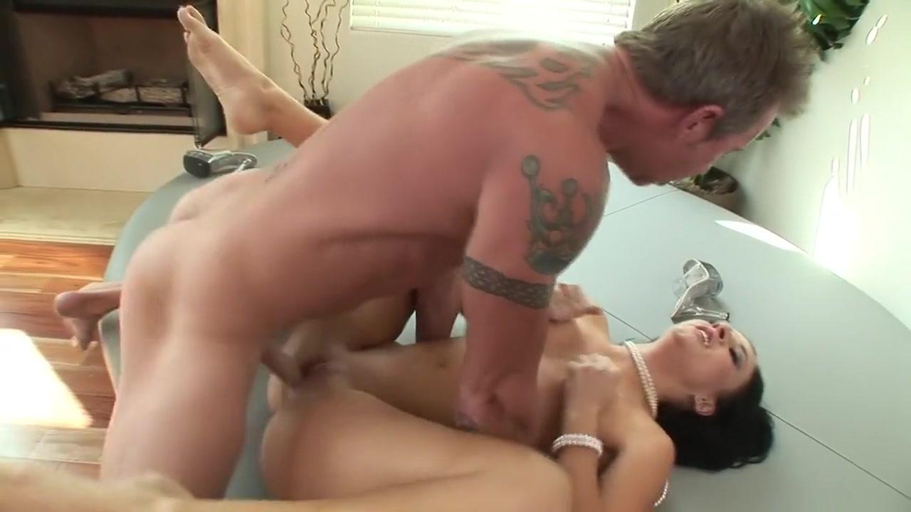 Naked Porn tube Dating doctor long distance relationships