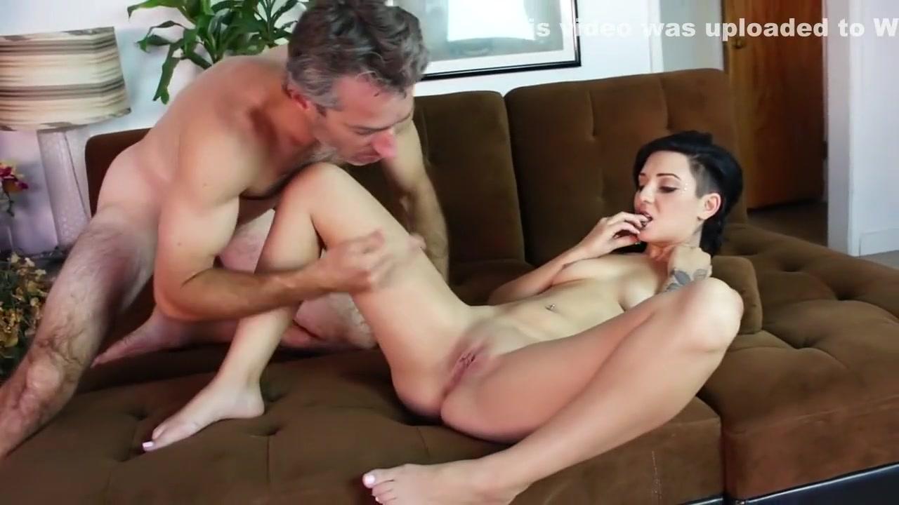 xxx huge women New porn