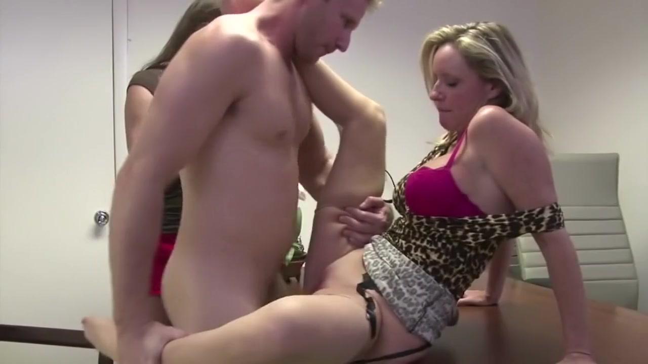 Porn Pics & Movies Dating leo