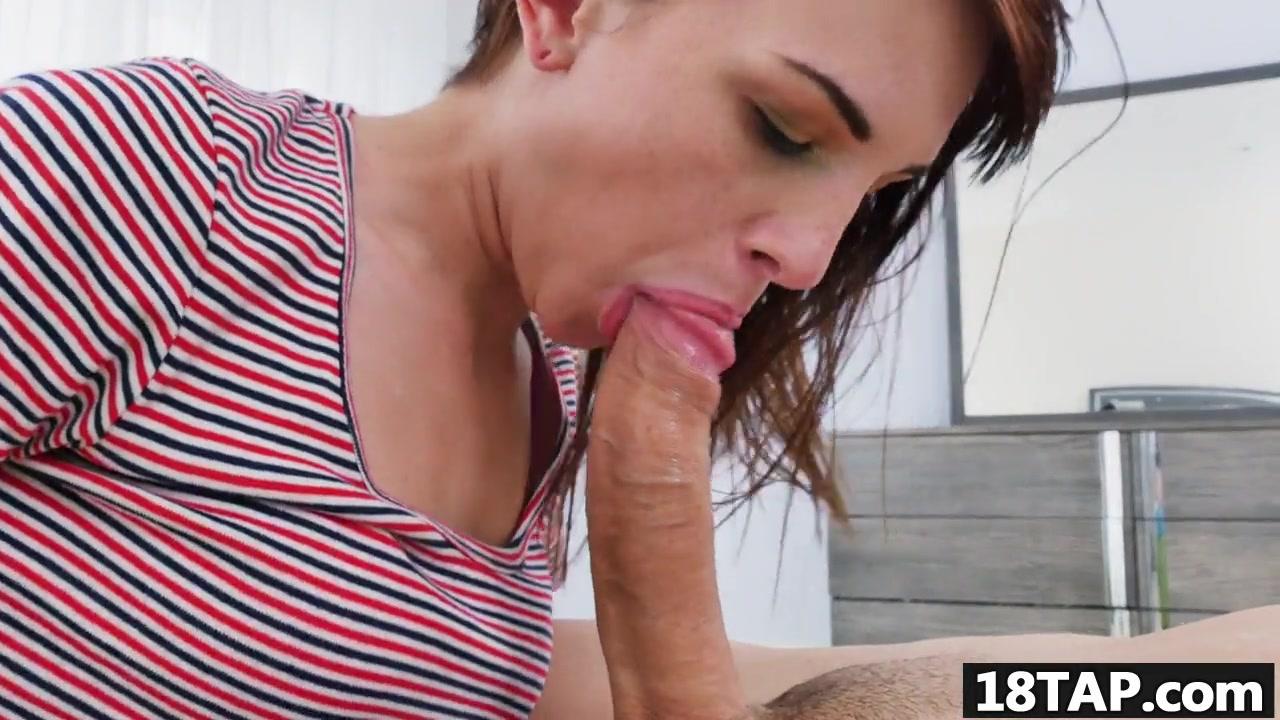Porno photo Girl tits bursting out of shirt