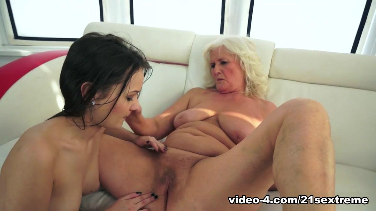Lesbiean sluts naked Piss
