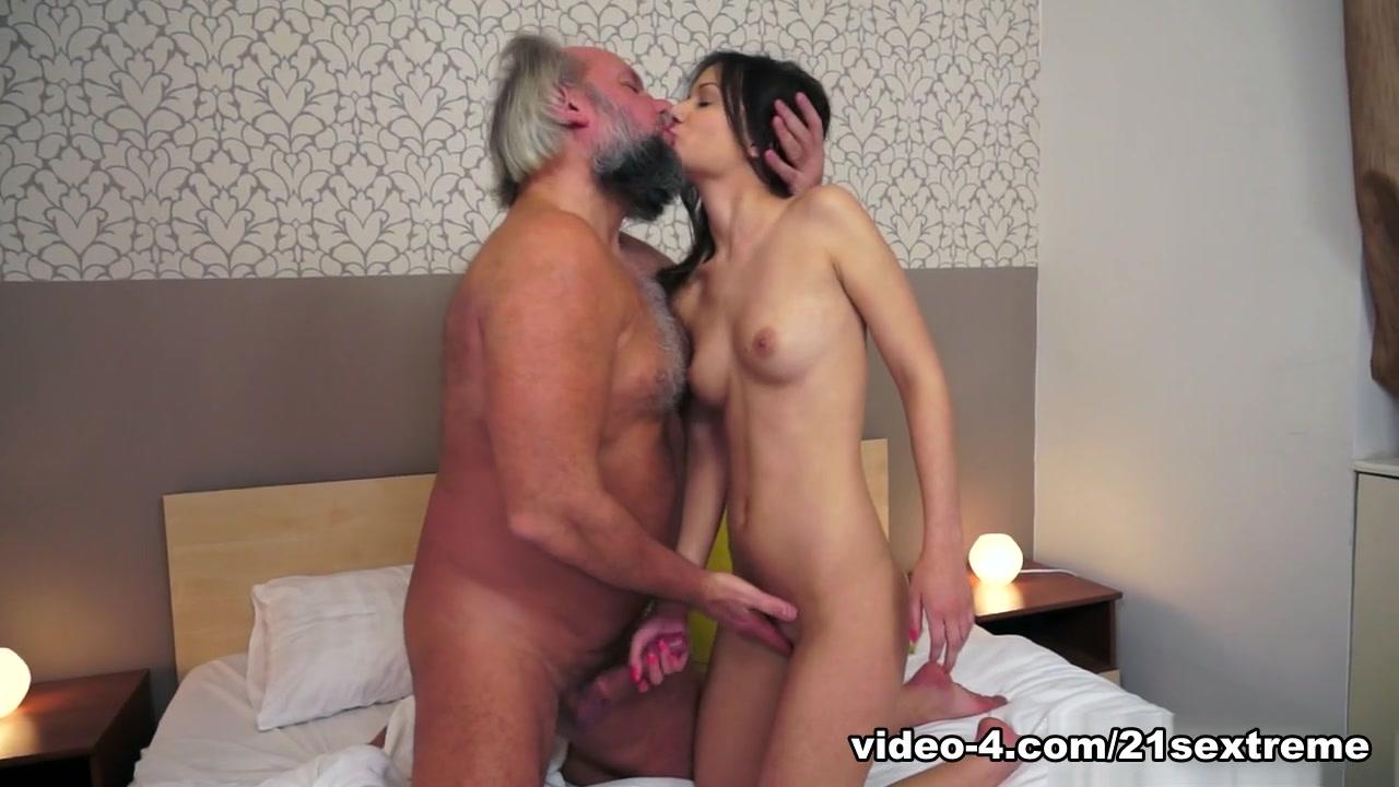Emily osment pussy naked XXX Photo