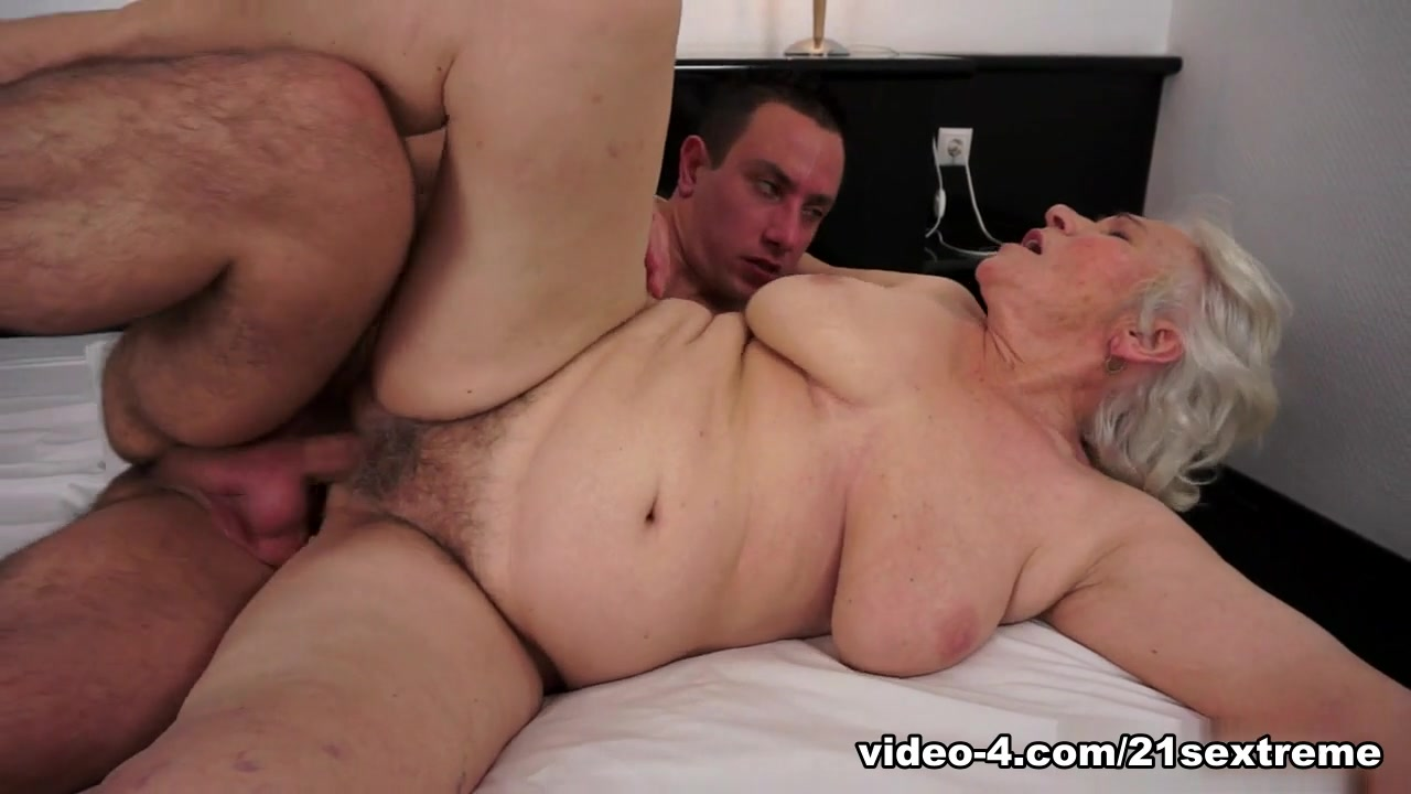 Porn Pics & Movies Brunette natural orgasm
