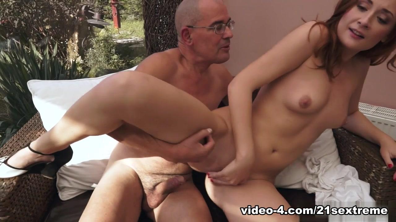 Nude photos Mamochka moya online dating