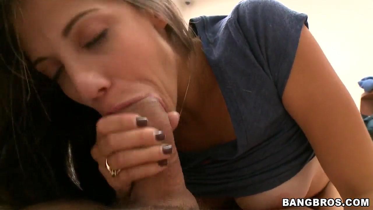XXX Video Cute blonde deep penetration