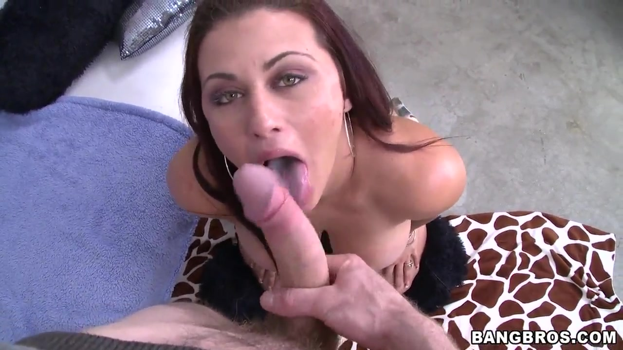 Sexy Video Real swinger wife gangbang
