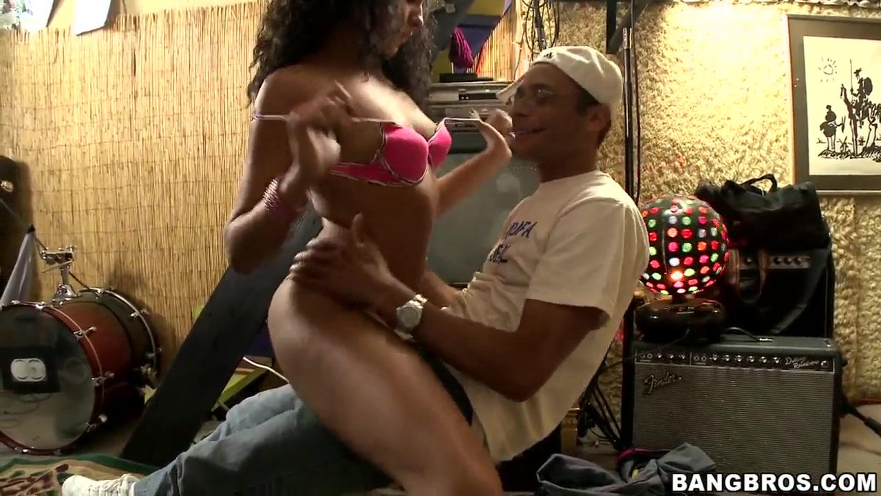Sexy xxx video She loves sucking black dick