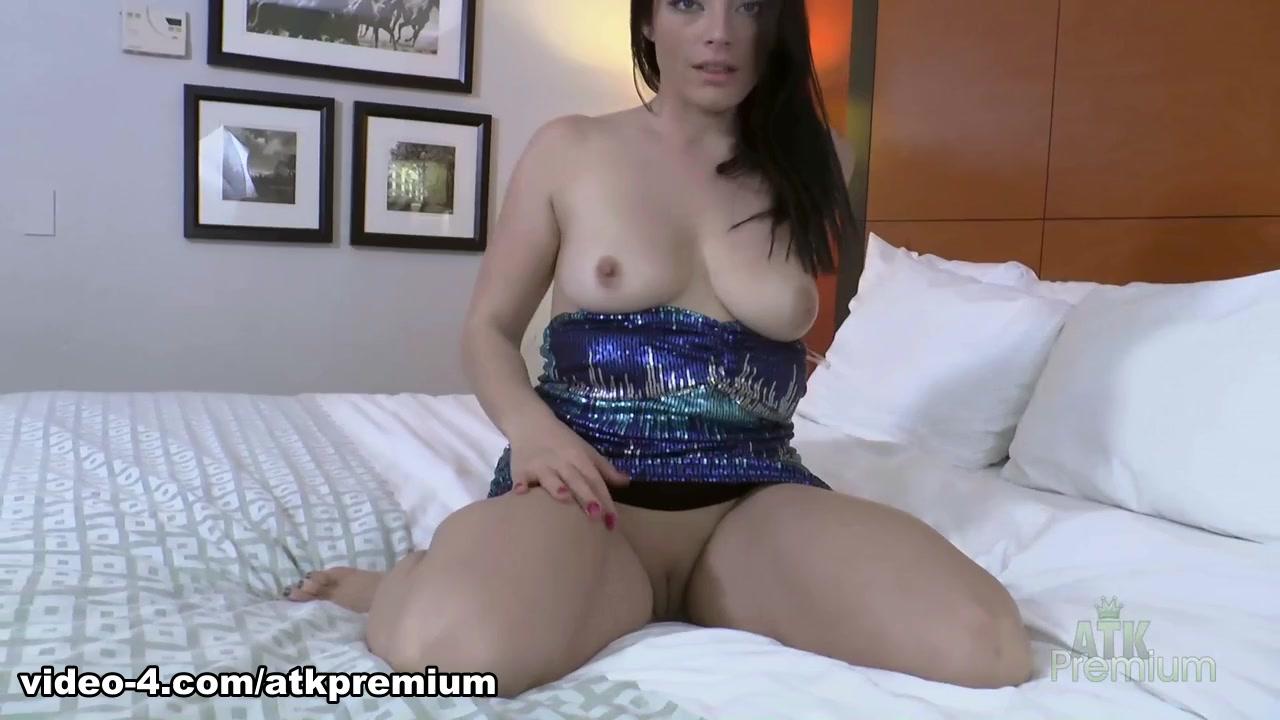 New porn Jade moans real loud