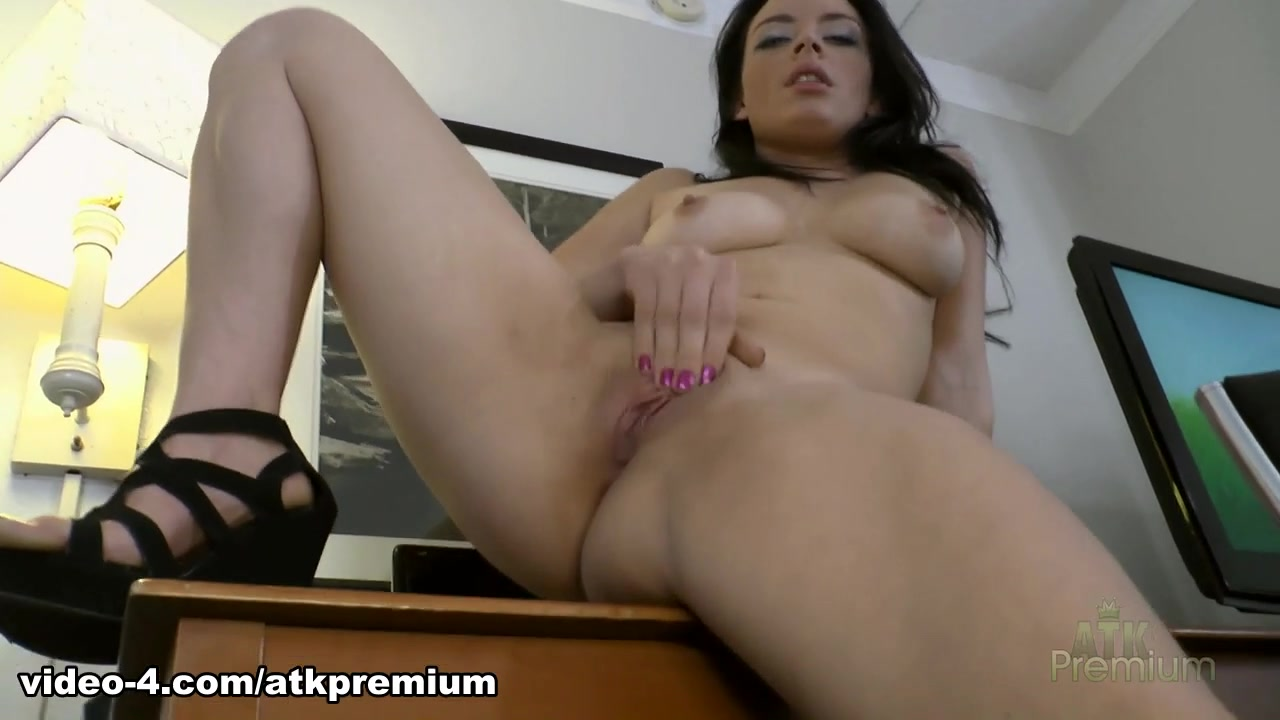Hot Nude gallery Bisexual fuck buddies