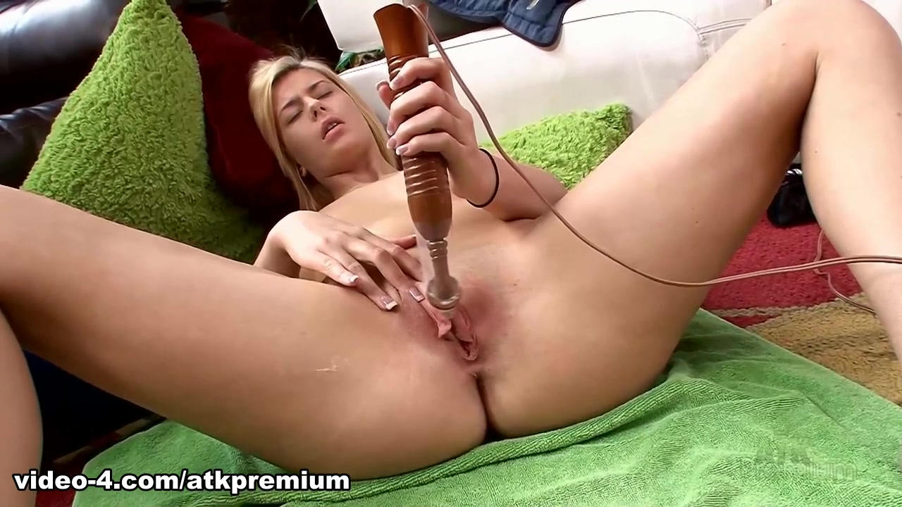 Pron Videos Fetish euro glamorous lesbian threeway