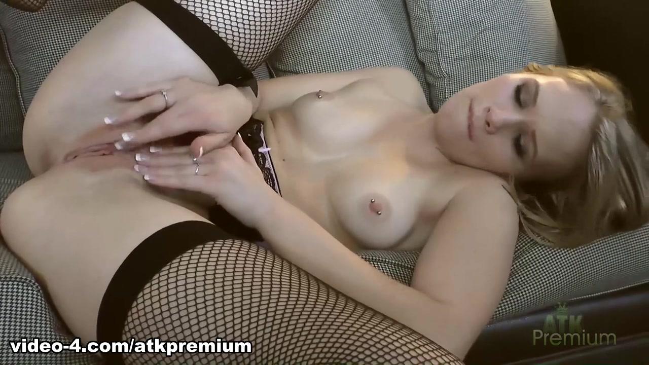 Sexy Photo Nude girls have fun