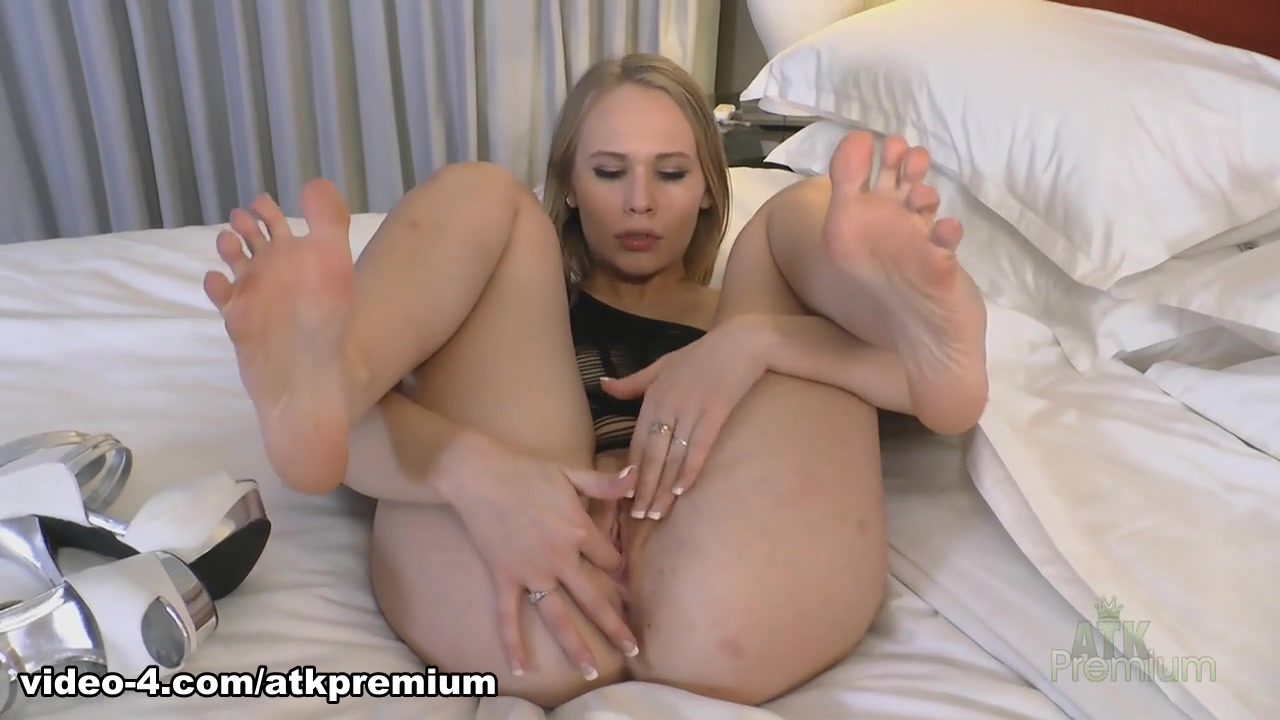 weman that fuck giant dildos Hot xXx Video