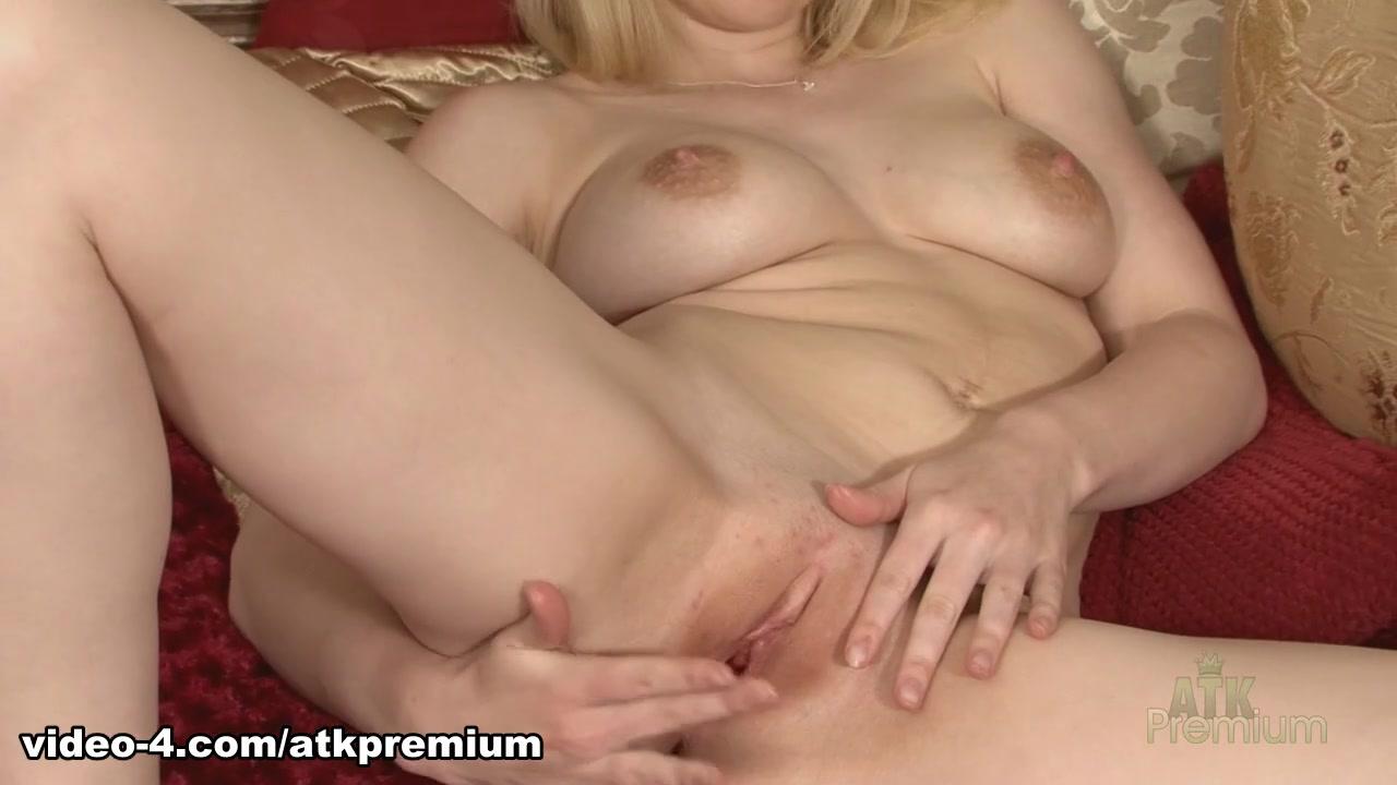 xxx pics Erotic nude redheads