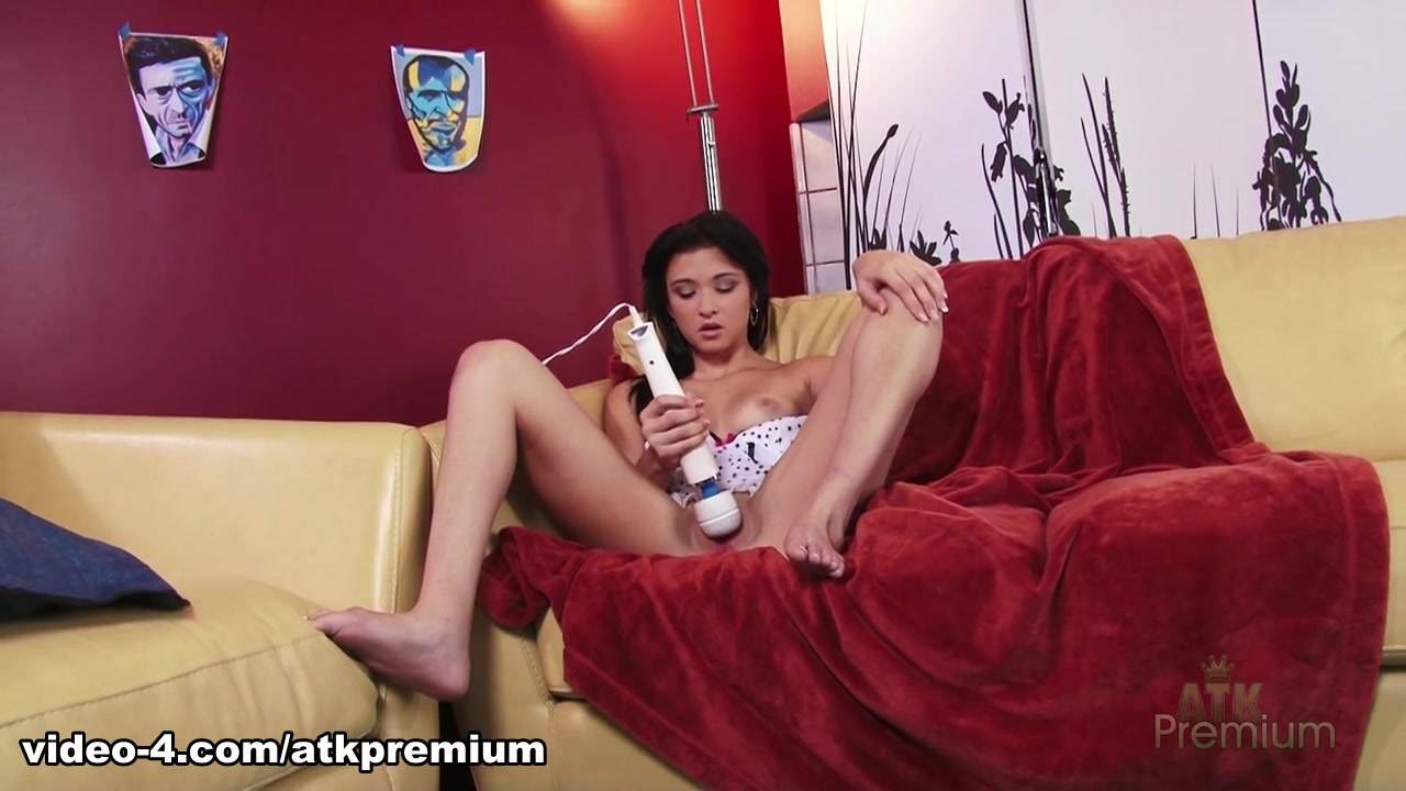 Karen sex scenes in shameless Hot Nude gallery