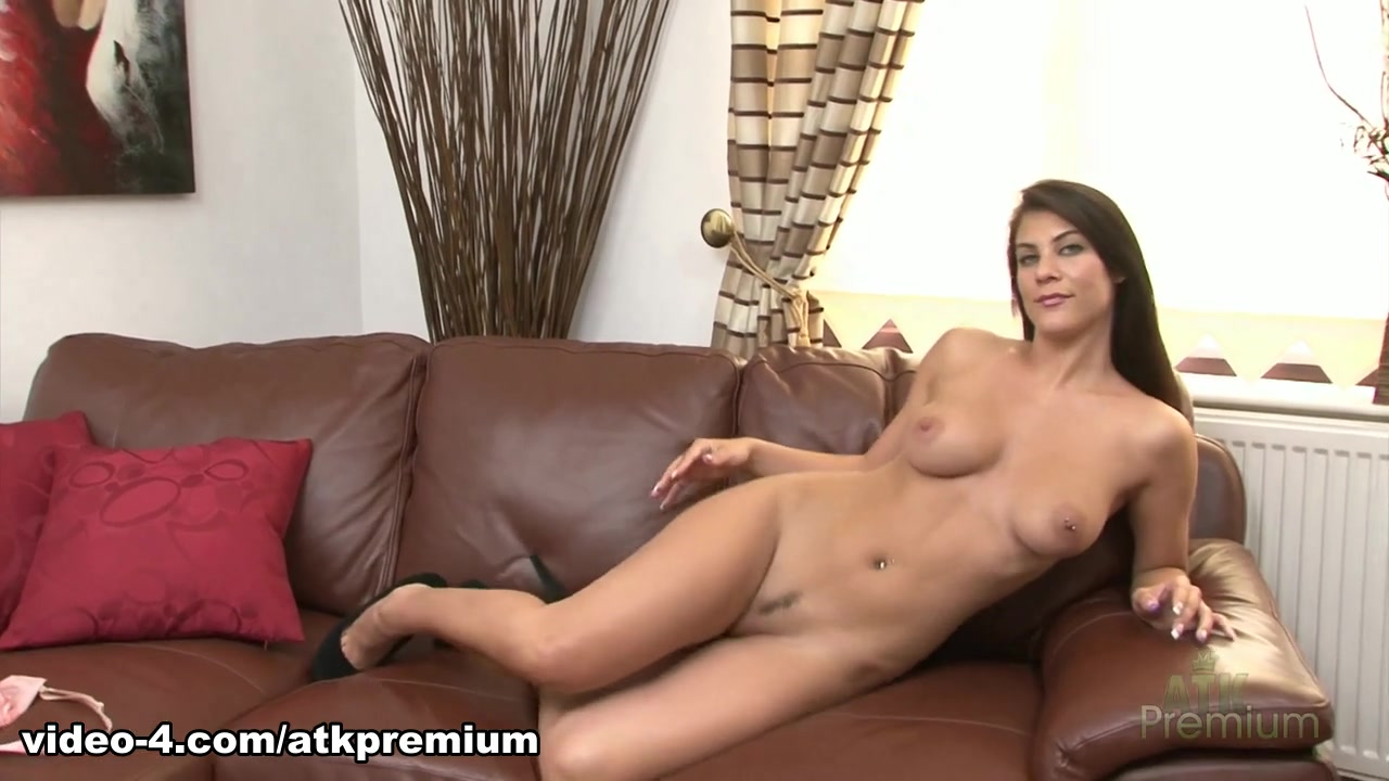 XXX Photo Sexy latina tits
